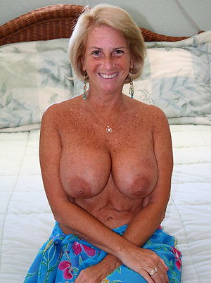 Free amateur mature women pics