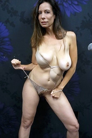 Free hot older women pics