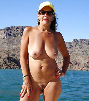 Inexperienced sexy mature women pictures