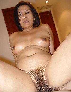 Free asian amateur tits