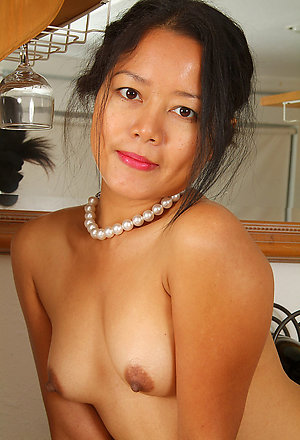 Gorgeous hot asian chicks nude