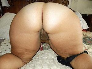Sweet ass mature pic