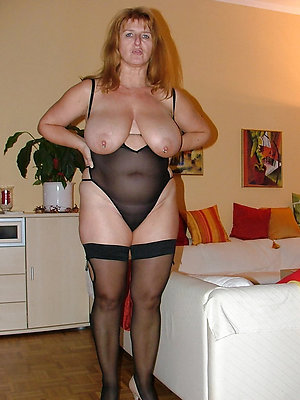 Amateur pics of mature women in lingerie