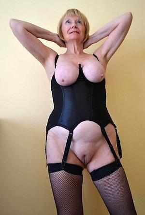 Amazing Elle sexy ladies in lingerie