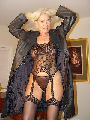 Free hot older lady in lingerie