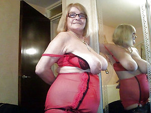 Handsome hot mature mom lingerie