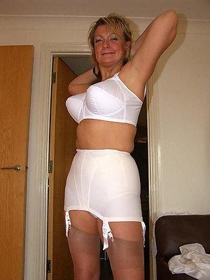 Nude Nicole mature lingerie tease