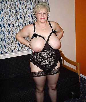 Pretty amateur wife lingerie pics