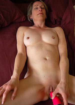 Xxx caught wife masturbating pictures