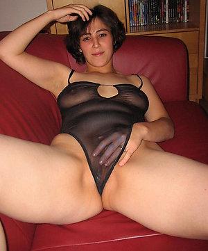 Nude mature mom masturbation amateur pics
