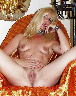 Amazing mature amateur milfs posing nude