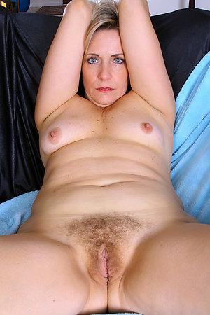 Xxx mature mom sex gallery