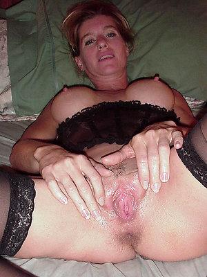 Favorite sexy mature moms photos