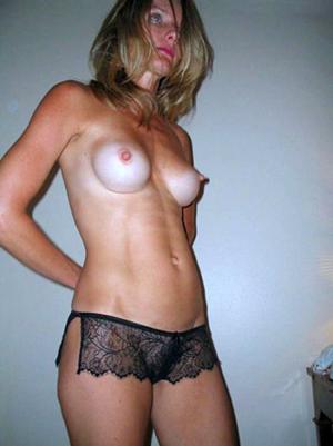 Slutty amateur horny mom porn pics