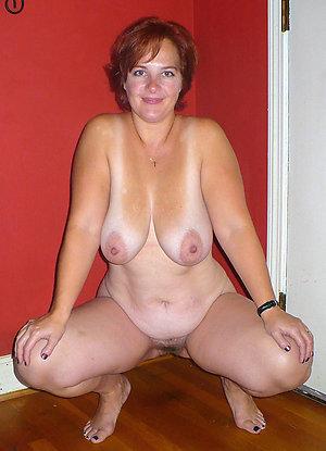 Amazing Cala mature mom pussy pics