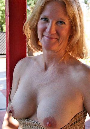 Amateur pics of mature moms xxx