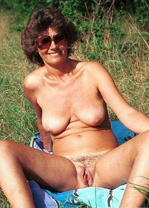Amateur pics of mature outdoor pics