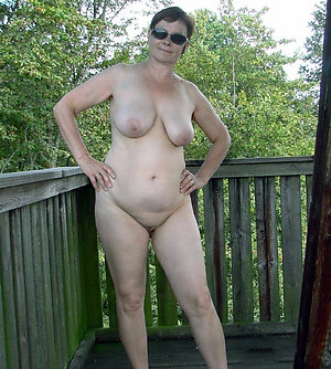 Real mature wife outdoors falleries