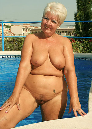 Amazing nude mature women photos