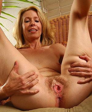 Pretty nude mature wives amateur pics