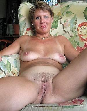 Sonia naked mature amateur sex pics