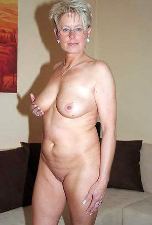 Favorite naked natural mature women