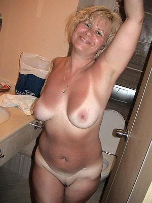 Nude Lisa gorgeous woman nude pics