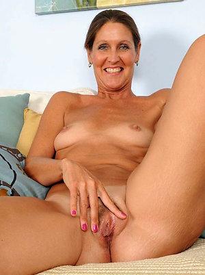 Amateur mature naked women pics