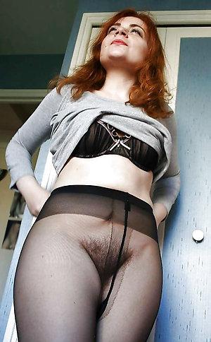 Horny Darla lady in pantyhose photos