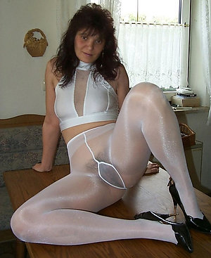 Beautiful mature wife pantyhose pics