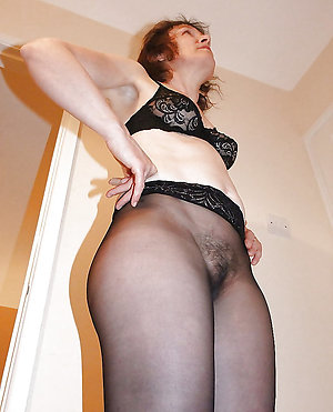 Xxx pantyhose mature porn pics