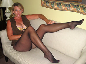 Gorgeous pantyhose mature porn