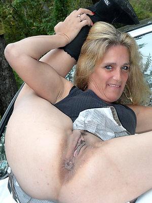 Wet hairy women pussy pics