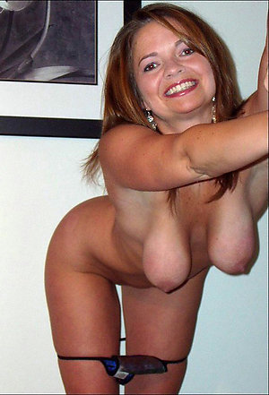 Pretty old saggy lady amateur pictures
