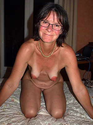 Amateur pics of wife saggy tits