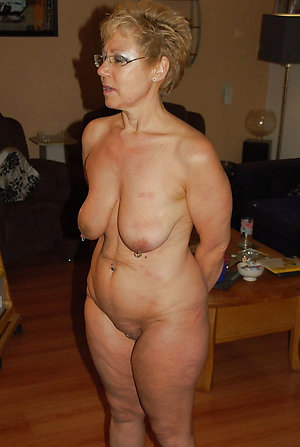 Nude old wife saggy tits pics