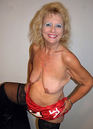 Hottest saggy tits porn gallery