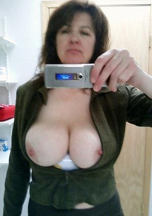 Homemade sexy mature girl sexy selfie