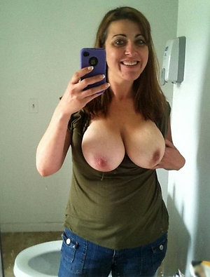 Amazing mature naked girls sexy selfie