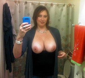 Amateur pics of beautiful naked mature women