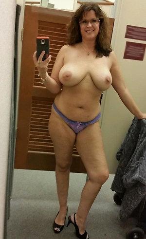 Real mature women sexy selfies photos