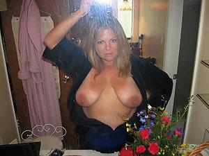 Amazing selfies sexy mature girls