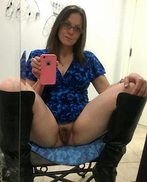 Xxx pictures of sexy selfies ol women