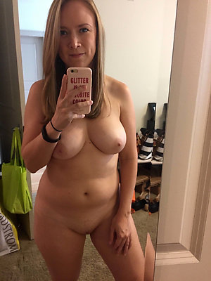 Horny naked moms sexy selfies pictures
