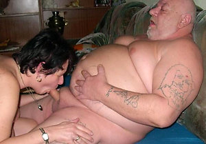Free pics of free mom sex