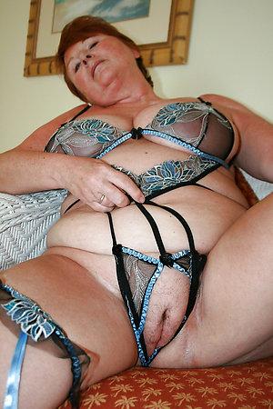 Amateur pics of women showing panties