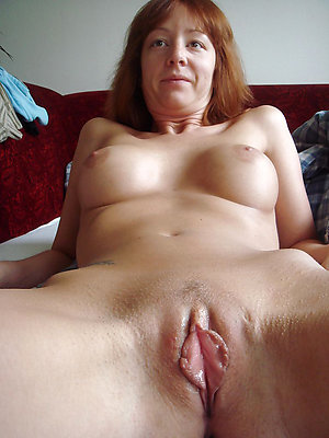 Amateur pics of mature nude redhead