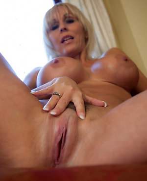 Sweeties mature shaved pussy pics