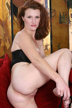 Inexperienced old shaved cunt pictures