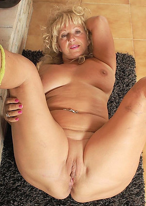Mature wimen with shaved vagina pics
